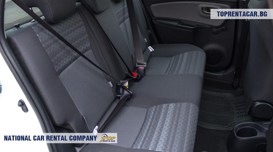 Toyota Yaris - vista de los asientos posteriores